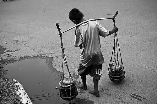 child-labour-in-indonesia courtesy http://vibizdaily.com/detail/bisnis/2010/02/11/bpsilo_17_juta_pekerja_anak_di_indonesia